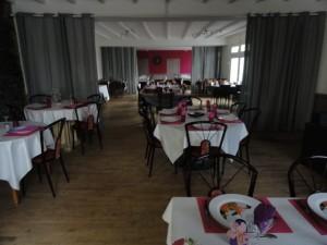 salle_restaurant_des_pins_saint_jacut